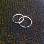 【口コミ】結婚指輪に俄-NIWAKA-を選んだ理由3つ。購入後1年ちょっと使い続けてきた感想など。